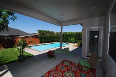 Eagle Point Single Family Home For Sale: 971 Pumpkin Ridge