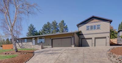 Medford Single Family Home For Sale: 1559 Angelcrest Drive