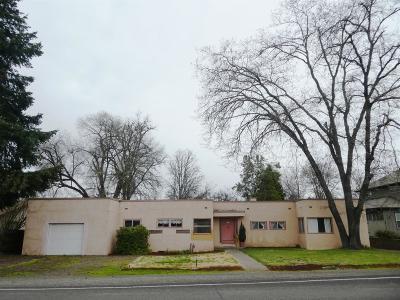 Eagle Point Single Family Home For Sale: 16 S Shasta Avenue