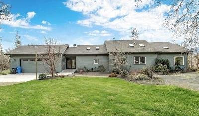 Rogue River Single Family Home For Sale: 835 Pleasant Creek Road
