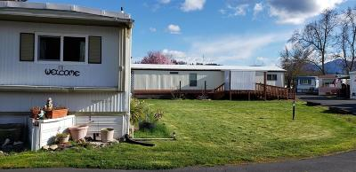 Merlin, Sunny Valley, Wimer, Rogue River, Wilderville, Grants Pass Mobile Home For Sale: 1241 Dowell Road #10