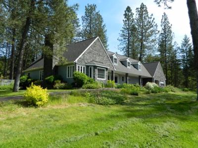 Josephine County Single Family Home For Sale: 5175 Azalea Drive