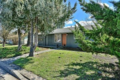 Ashland Single Family Home For Sale: 374 Cambridge Street
