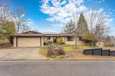 Ashland Single Family Home For Sale: 1579 Woodland Drive