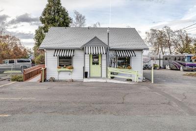 Single Family Home For Sale: 2540 W Main Street