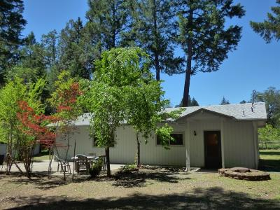 Jackson County, Josephine County Single Family Home For Sale: 801 Hummingbird Road