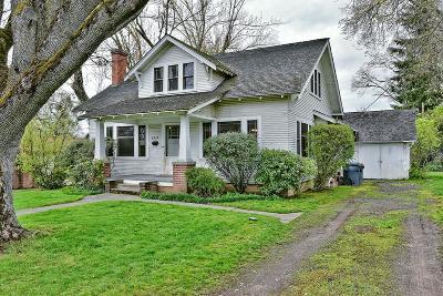 Medford Single Family Home For Sale: 2235 E Main Street