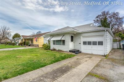 Medford Single Family Home For Sale: 625 S Ivy Street