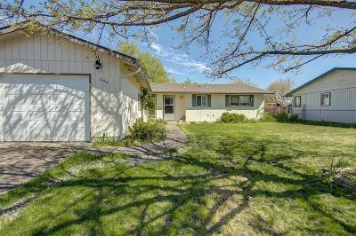 Eagle Point Single Family Home For Sale: 596 Sherman Way