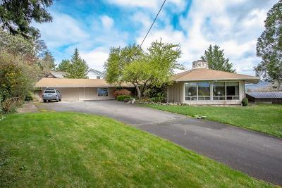 Medford OR Single Family Home For Sale: $445,000