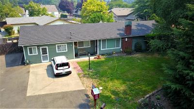 Merlin, Sunny Valley, Wimer, Rogue River, Wilderville, Grants Pass Single Family Home For Sale: 1412 SE Rogue Drive