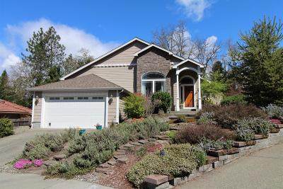 Grants Pass Single Family Home For Sale: 274 Landau Lane