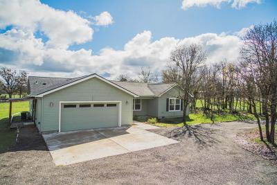 Jackson County, Josephine County Farm For Sale: 5746 Table Rock Road