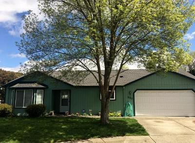 Medford Single Family Home For Sale: 981 Beall Lane