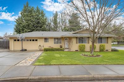 Medford OR Single Family Home For Sale: $286,000