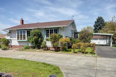 Grants Pass OR Single Family Home For Sale: $259,900