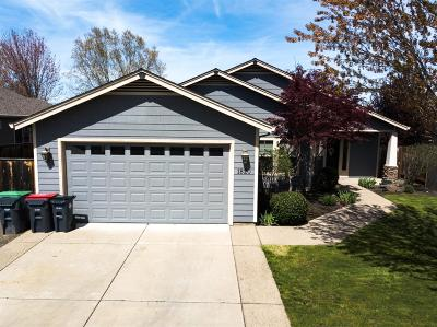 Medford Single Family Home For Sale: 1820 Windward Drive