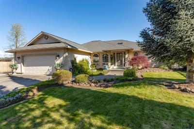 Central Point Single Family Home For Sale: 1140 Mayfair Place