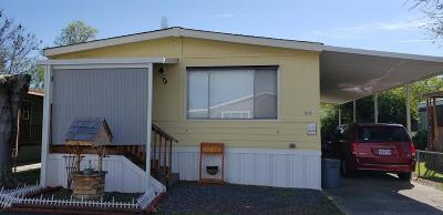 Merlin, Sunny Valley, Wimer, Rogue River, Wilderville, Grants Pass Mobile Home For Sale: 312 Sandlewood Drive