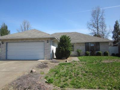 Medford Single Family Home For Sale: 3062 Waterford Court
