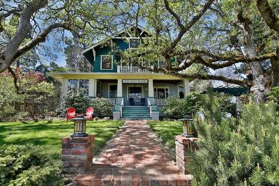 Jacksonville Single Family Home For Sale: 455 N Oregon Street