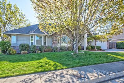 Grants Pass OR Single Family Home For Sale: $388,000