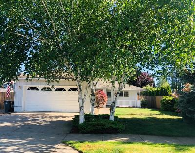 Medford Single Family Home For Sale: 1843 Arlington Drive