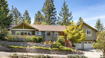 Jackson County, Josephine County Single Family Home For Sale: 707 Morton Street