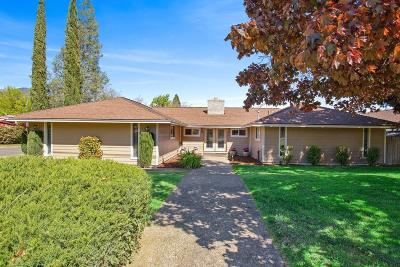 Jackson County, Josephine County Single Family Home For Sale: 33 S Foothill Road