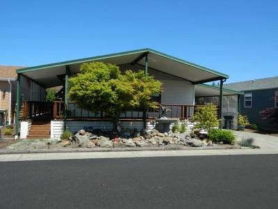 Grants Pass Mobile Home For Sale: 144 Kingsley Drive