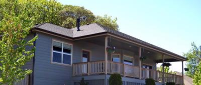 Grants Pass Single Family Home For Sale: 2224 SE Linden Lane