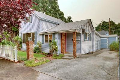 Grants Pass Single Family Home For Sale: 704 SW L Street
