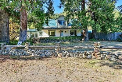 Jackson County, Josephine County Single Family Home For Sale: 13497 E Evans Creek Road
