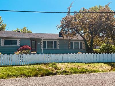 Medford Single Family Home For Sale: 1415 Maple Park Drive