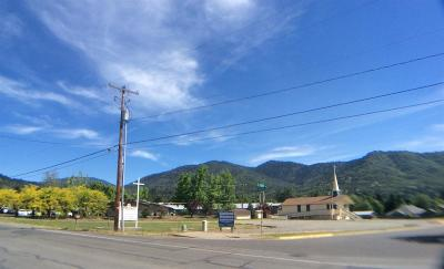 Grants Pass Multi Family Home For Sale: 2015 NW Highland Avenue