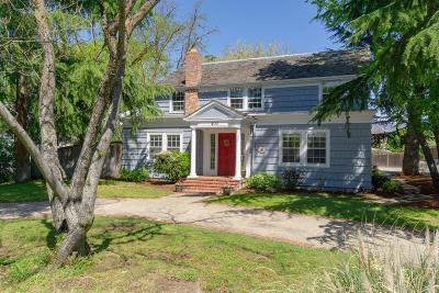 Ashland Single Family Home For Sale: 400 Clay Street