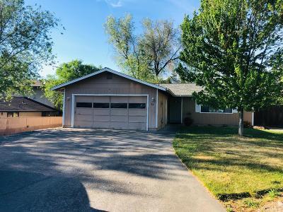 Grants Pass Single Family Home For Sale: 174 Southridge Way
