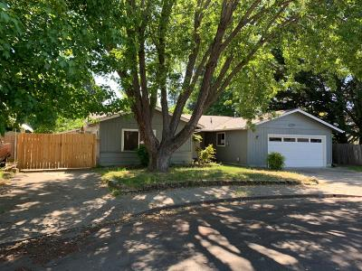 Grants Pass Single Family Home For Sale: 1205 Viola Drive