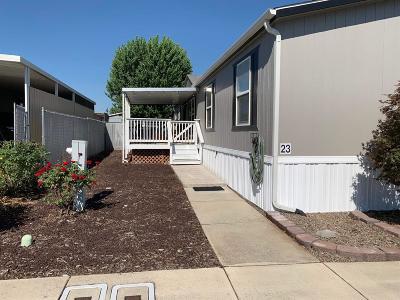 Medford Mobile Home For Sale: 2552 Thorn Oak Drive #23