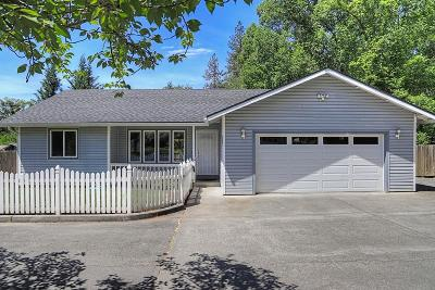 Grants Pass Single Family Home For Sale: 932 NE Dewey Drive