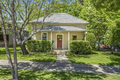 Jackson County, Josephine County Single Family Home For Sale: 49 Fourth Street