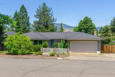 Ashland Single Family Home For Sale: 1825 Green Meadows Way