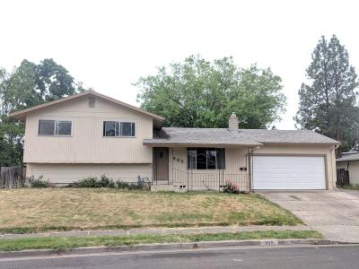 Single Family Home For Sale: 905 5th Street
