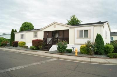 Medford Mobile Home For Sale: 2552 Thorn Oak Drive #41