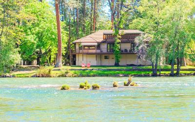 Shady Cove Single Family Home For Sale: 590 Park Drive