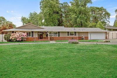 Medford Single Family Home For Sale: 2248 Siskiyou Boulevard