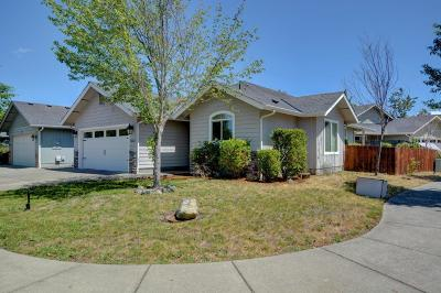 Grants Pass Single Family Home For Sale: 1283 Angler Lane