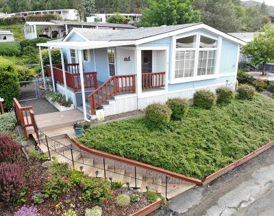Medford Mobile Home For Sale: 3955 South Stage Road #54