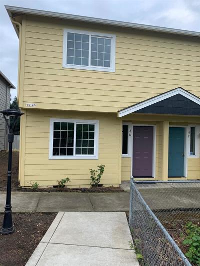 Medford Condo/Townhouse For Sale: 2030 Brookhurst Street #46