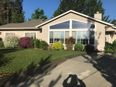 Grants Pass Single Family Home For Sale: 956 NW Donna Drive